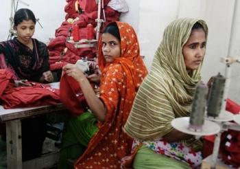 Pierwszy raport, który pokazuje warunki pracy  u dostawców polskich firm odzieżowych wBangladeszu
