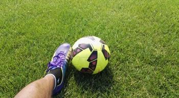 Adidas iNike: Rekordowe kwoty dla piłkarzy, głodowe pensje dla pracownic