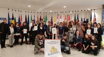 Młodzieżowy Manifest zmian przekazany posłom wBrukseli